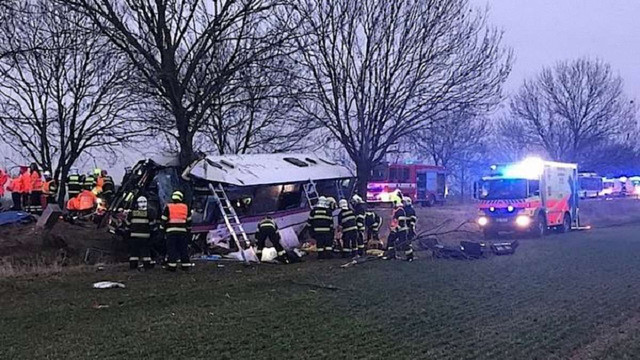 Біля Праги розбився пасажирський автобус: троє загиблих