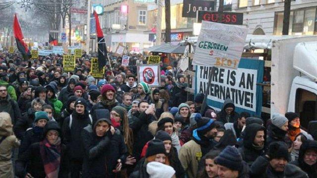 В Австрії тисячі людей протестували проти нового правого уряду