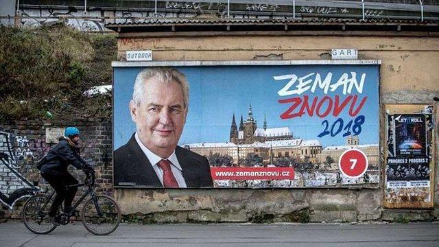 Мілош Земан здобув перемогу в першому турі президентських виборів Чехії