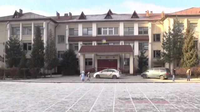 Про замінування школи на Сихові вдруге за два тижні повідомила 17-річна дівчина