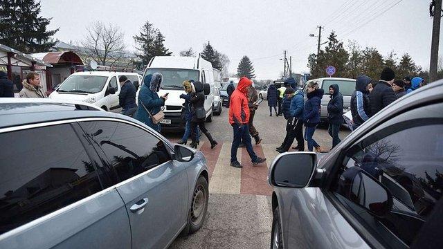 Правоохоронці розслідують факт перекриття траси Львів-Краковець