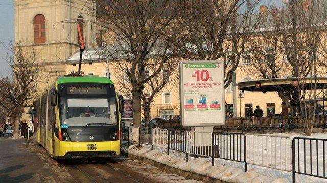 «Львівелектротранс» почав перевірку через оштрафовану у трамваї неповнолітню дівчину
