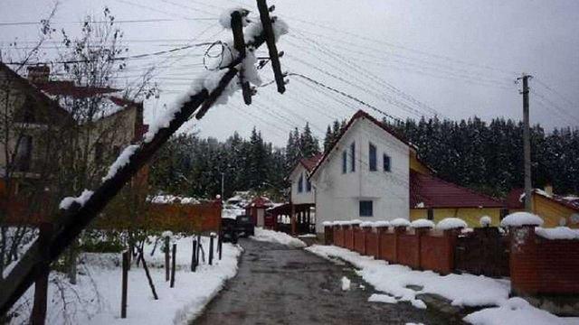 В Україні через негоду знеструмлені 63 населені пункти