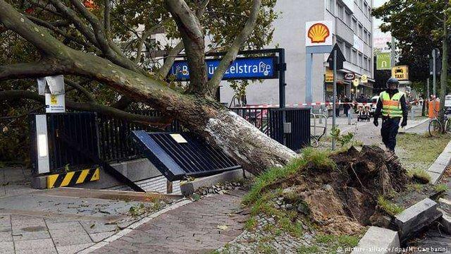 В Європі через ураган «Фрідеріке» загинули 10 людей