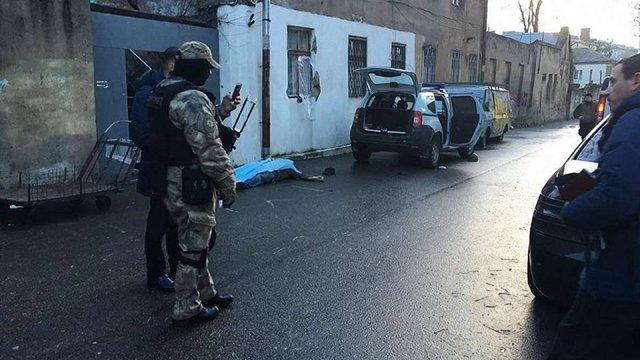 В одеській лікарні помер важкопоранений під час стрілянини поліцейський