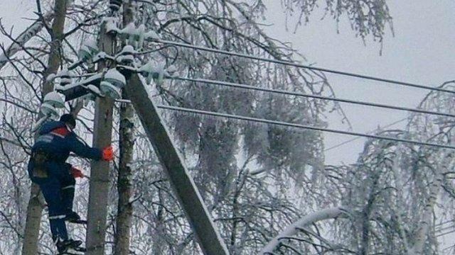 Через негоду в Україні без електрики лишаються 294 населені пункти