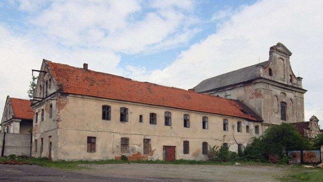 ЄС виділить €880 тис. на відновлення монастиря та костелу у Раві-Руській