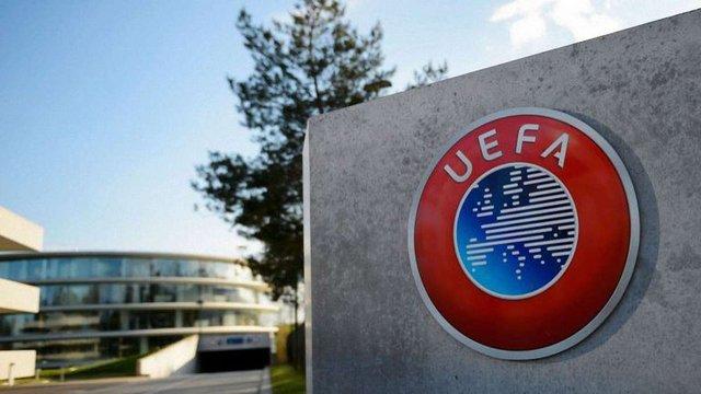 УЄФА має намір обмежити трансферну активність футбольних клубів