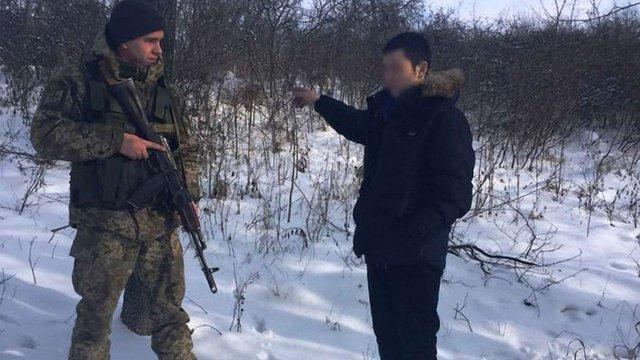 На Харківщині затримали росіянина, який незаконно перетнув кордон і просив притулку в Україні