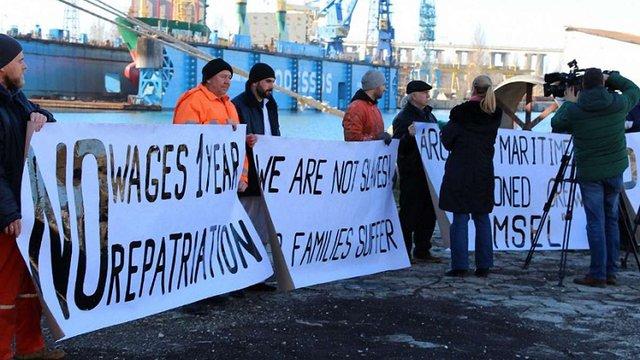 У Болгарії судновласник кинув напризволяще 20 моряків з Україні