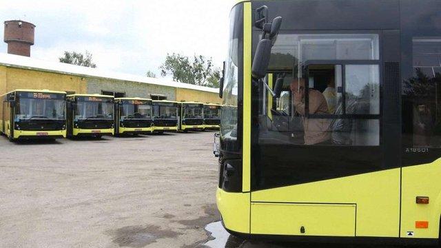 У Львові поліція почала затримувати і вилучати міські автобуси