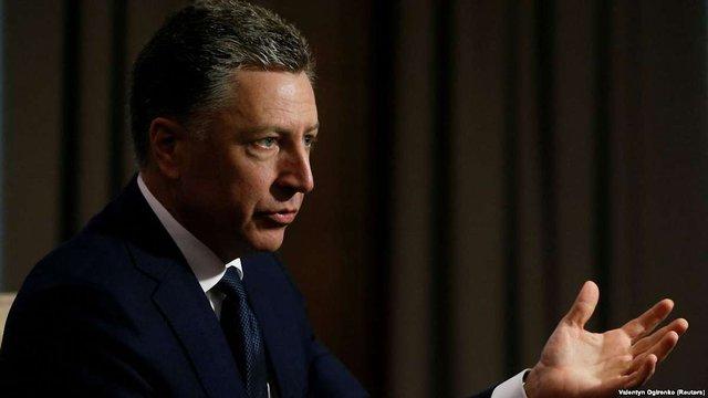 Курт Волкер збирається поговорити з Сурковим про полонених і виведення військ РФ з Донбасу
