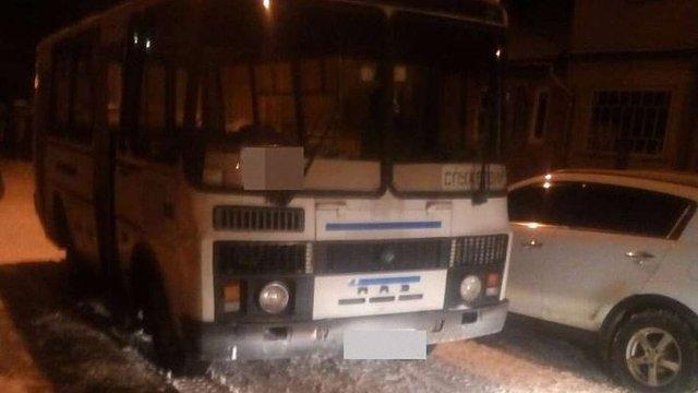 Львівські патрульні двічі за ніч зупиняли п'яного водія автобуса