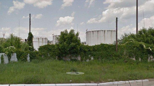 Львівська міськрада планує перенести розташовану на Знесінні нафтобазу