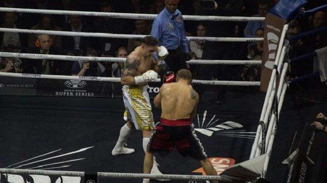 Український боксер Олександр Усик здобув перемогу над латвійцем Майрісом Брієдісом