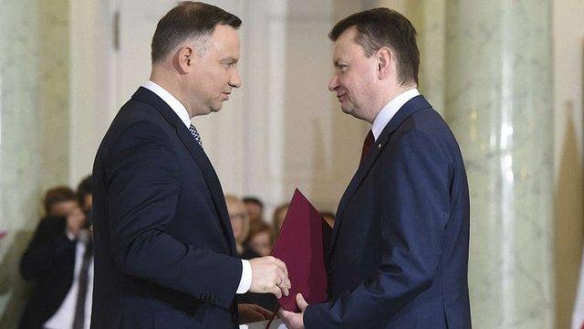 У Польщі вирішили терміново змінити систему контролю армією