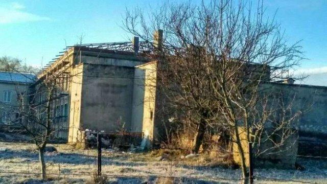 На Тернопільщині через розтрату коштів підрядниками школа залишилась без даху