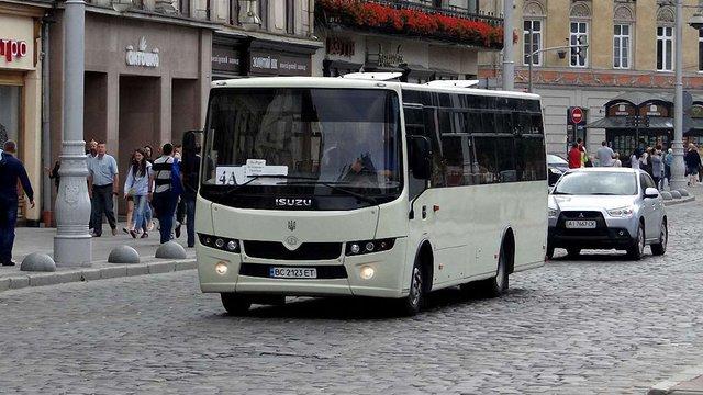 Поліція затримала ще один автобус львівського АТП-1