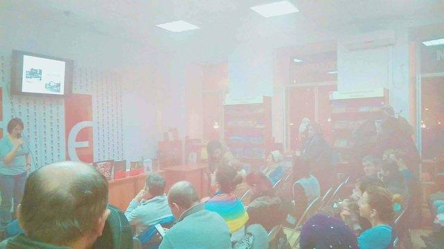 У львівській книгарні під час лекції про Голокост невідомий кинув димову шашку