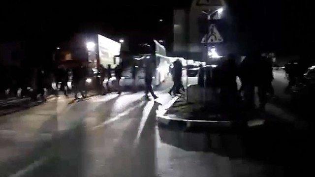 Мітингувальники понад  чотири години блокували дорогу до прикордонного пункту у Раві-Руській