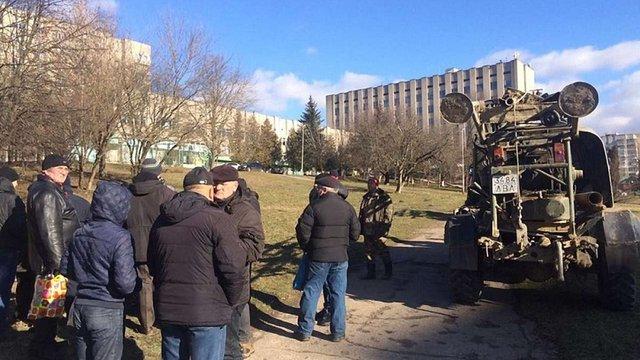 У Львові близько півсотні людей вийшли на протест проти будівництва на вулиці Мазепи