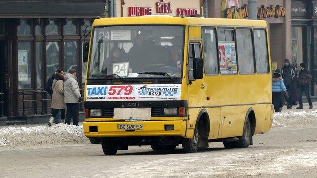 Заступник мера Львова заявив, що відмовитись від маршруток за два роки неможливо