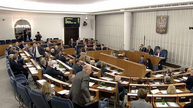 Cенат Польщі проголосував вночі за закон щодо заборони «бандерівської ідеології»