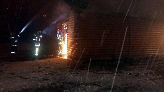 Вночі на Сихові виникла пожежа у дерев'яній церкві УПЦ МП