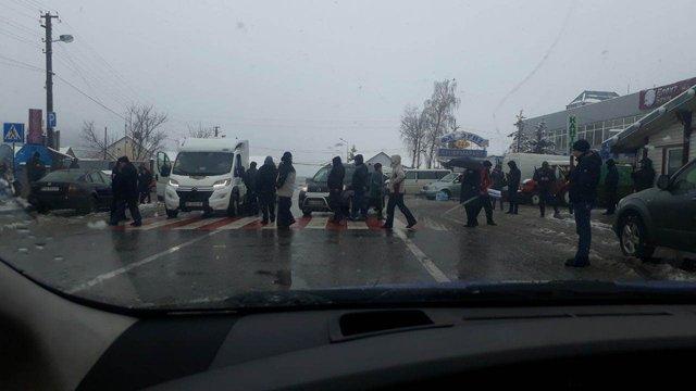 Два прикордонні пункти на Львівщині заблокували мітингувальники