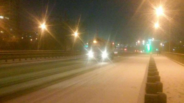 Львівські комунальники перейшли на цілодобове чергування через сильний снігопад