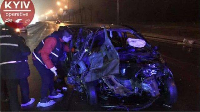 У Києві у аварії із п'ятьма автомобілями загинули двоє людей