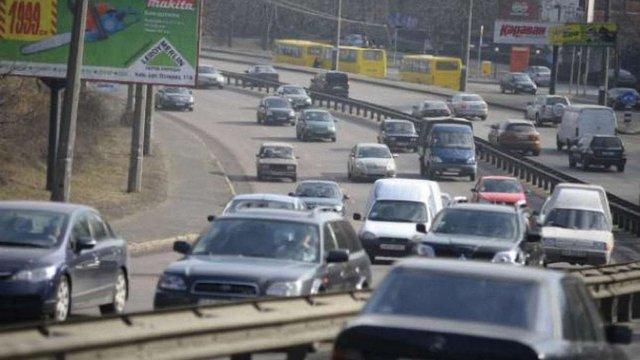 Майже 90% українців схвалюють автоматичний контроль швидкості на дорогах і вищі штрафи