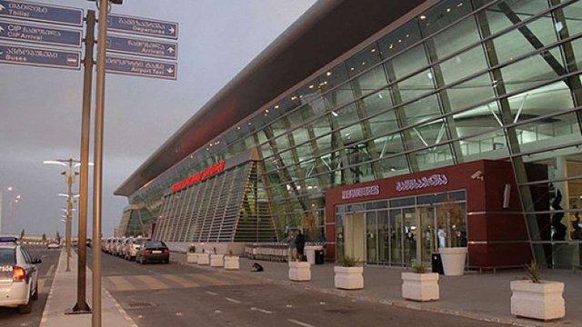 Літак МАУ здійснив аварійну посадку в аеропорту Тбілісі