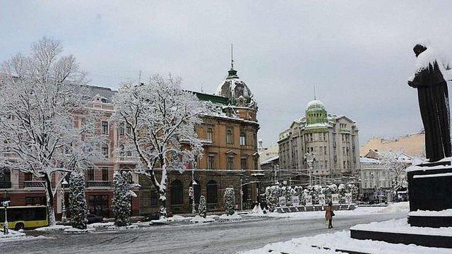 У понеділок в Україну повернуться холоди, а на заході продовжаться снігопади
