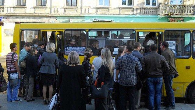 Уряд змінив порядок проведення конкурсу на автобусні перевезення