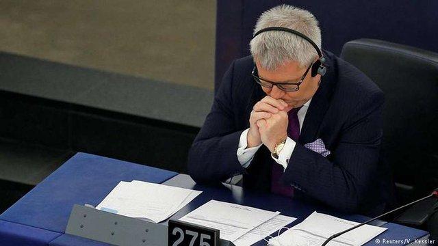 Польський політик втратив посаду в Європарламенті після образи євродепутатки