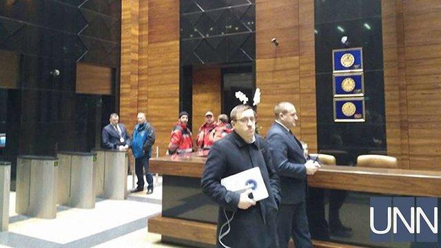 У центрі Києва евакуювали три поверхи ТЦ «Гуллівер» через повідомлення про пожежу