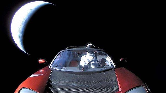 Американські астрономи сфотографували Tesla за допомогою телескопа
