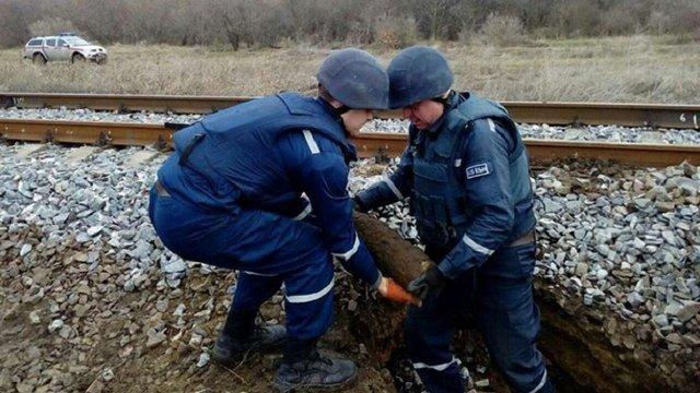 На Одещині біля залізниці виявили понад 80 артснарядів часів Другої світової війни