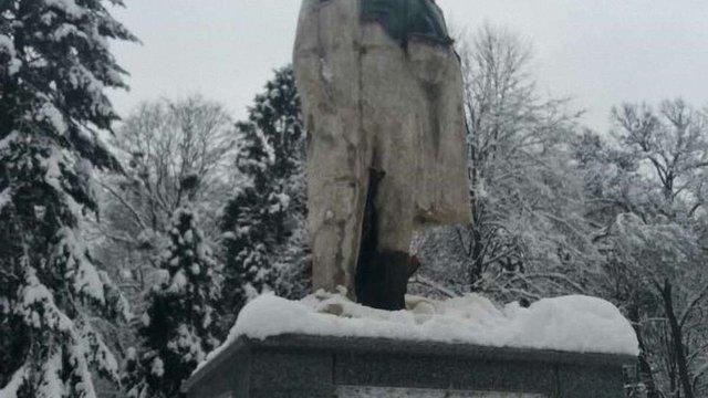 У Стрию невідомі відбили голову бронзового пам'ятника Тарасові Шевченку