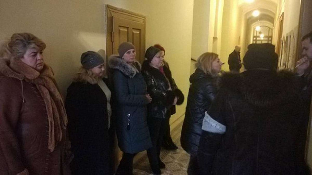 Близько 20 торгівців з Привокзального ринку оголосили голодування під кабінетом мера Львова