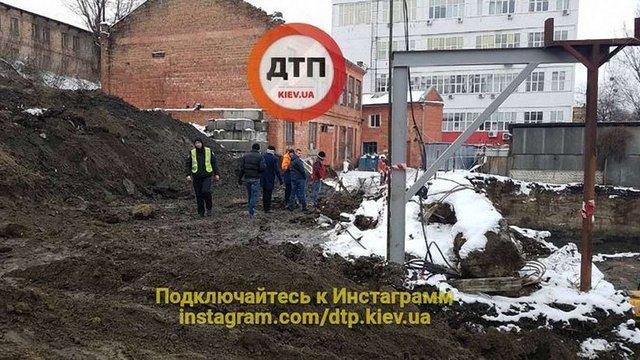 В Києві на будмайданчику загинув неповнолітній будівельник