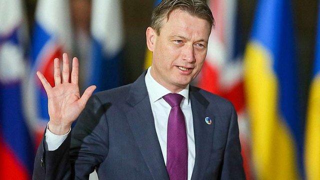 Голова МЗС Нідерландів пішов у відставку через брехню про зустріч із Путіним