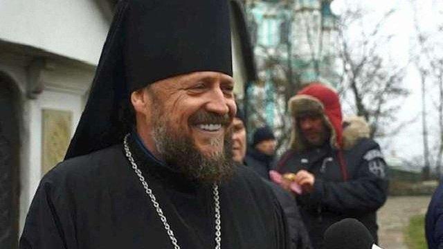 Настоятель скандального «Десятинного монастиря» УПЦ МП їздить на автівках за ₴2 млн