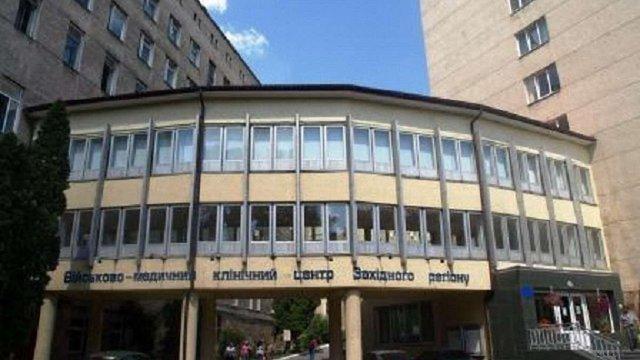 У львівський госпіталь з Дніпра привезли 9 поранених бійців АТО