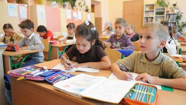 Вже у 30 львівських школах призупинили навчання
