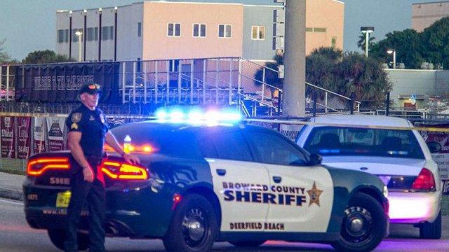 У США колишній учень влаштував стрілянину в школі, 17 загиблих