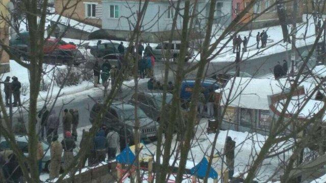На Рівненщині на поліцейських напали близько 200 бурштинокопачів, є постраждалі