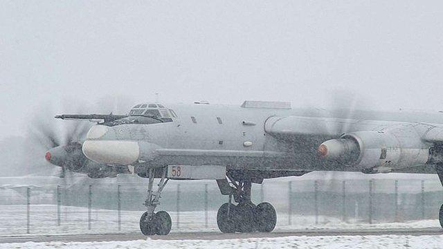 Військова авіація РФ кілька разів максимально наближалася до кордонів України