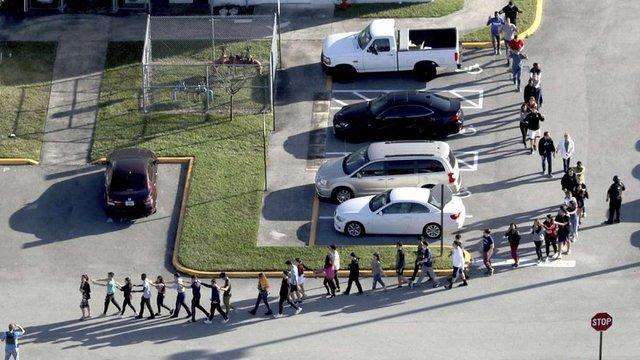 Стрілець, що застрелив у школі 17 осіб, був членом націоналістичної організації Флориди